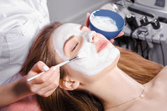 Cosmetic procedure at beauty salon Royalty Free Stock Photos