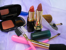 Cosmetic products and brushes Royalty Free Stock Photography
