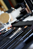 Cosmetic set and makeup brushes Royalty Free Stock Photography