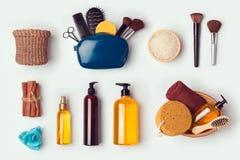 Cosmetic SPA και προσωπική χλεύη υγιεινής επάνω στο πρότυπο για το μαρκάρισμα του σχεδίου ταυτότητας επάνω από την όψη Στοκ Φωτογραφία