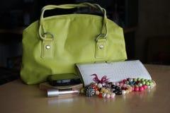 Cosmetici, borsa, colore verde Fotografie Stock Libere da Diritti