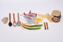 Cosmetici casalinghi isolati su bianco Fotografia Stock Libera da Diritti