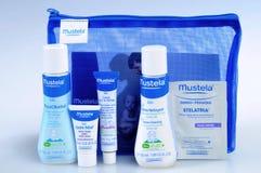 Cosmetici del bambino isolati su bianco Fotografie Stock