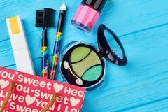 Cosmetici di progettazione di modo, fondo di colore Fotografia Stock Libera da Diritti