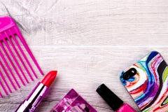 Cosmetici e telefono cellulare Fotografia Stock Libera da Diritti