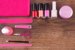 Cosmetici ed accessori per il manicure o il pedicure, concetto di cura dell'unghia, spazio della copia per testo Immagine Stock Libera da Diritti
