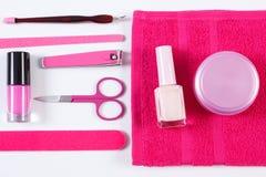 Cosmetici ed insieme degli strumenti di pedicure o del manicure, concetto di cura dell'unghia Immagine Stock