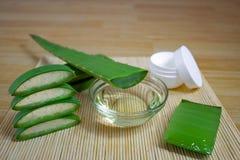 Cosmetici naturali da aloe vera, da crema, da oli e da tutto per la pelle Immagine Stock