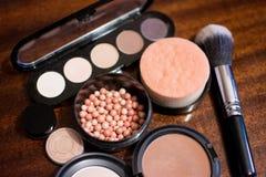 Cosmetici su fondo scuro, primo piano Fotografia Stock