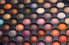 Cosmetici variopinti messi immagine stock libera da diritti