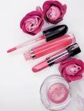 Cosmetico stabilito del gruppo dei lipgloss degli ombretti del rossetto per la molestia di trucco Fotografia Stock Libera da Diritti