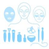 cosmetology Insieme degli strumenti per bellezza e della pelle giovanile su fondo bianco Vettore Immagine Stock