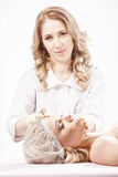 Cosmetologytillvägagångssätt Royaltyfri Foto