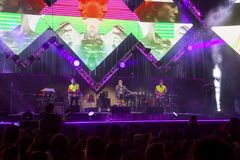 Cosmo exécute sur l'étape du concert du premier le mai Image stock