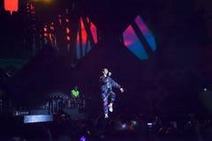 Cosmo exécute sur l'étape du concert du premier le mai Images libres de droits