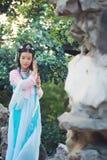 cosplay传统古老戏曲服装的hanfu的亚裔中国妇女 库存照片