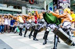 Cosplayer als Charaktere vom Angriff auf Titanen. Stockfoto