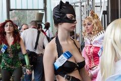 Cosplayer che posa alla convenzione di Festival del Fumetto a Milano, Italia Immagine Stock