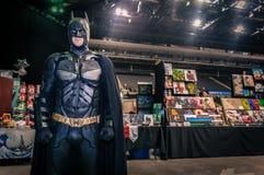 Cosplayer klädde som 'Batman', Arkivbild
