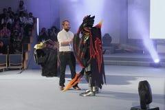 Cosplayer kleedde zich als karakter Dragon Knight royalty-vrije stock foto