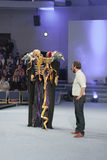 Cosplayer kleedde zich als karakter Momonga van Overlord anime serie Stock Fotografie