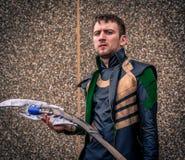 Cosplayer s'est habillé en tant que ` de Loki de ` des bandes dessinées de merveille Photographie stock