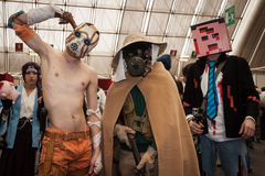 Cosplayers che posa alla convenzione di Festival del Fumetto a Milano, Italia Fotografia Stock