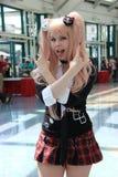 Cosplayers die kostuums en maniertoebehoren dragen in Anime Exp Royalty-vrije Stock Fotografie