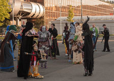 Cosplayers kleidete als Charaktere von Spiel Welt von Warcraft an Stockfotos