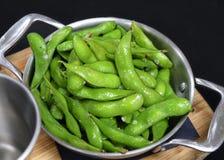 Cosse de soja connue sous le nom de haricots d'edamame photos stock