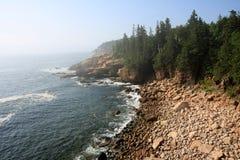 A costa áspera do parque nacional do Acadia, Maine imagens de stock royalty free