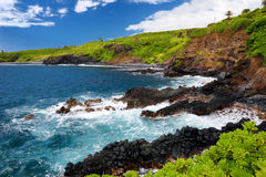 Costa áspera e rochosa na costa sul de Maui, Havaí Foto de Stock Royalty Free