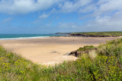 Costa córnico Inglaterra Reino Unido da baía córnico norte de Harlyn do Sandy Beach do Sandy Beach de Cornualha perto de Padstow  Fotos de Stock Royalty Free