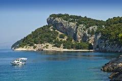 Costa cerca por Makarska imagen de archivo