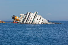 Costa Concordia Cruise Ship après naufrage Photographie stock libre de droits