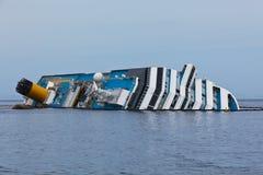 Costa Concordia Cruise Ship después del naufragio Foto de archivo libre de regalías