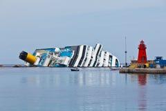 Costa Concordia Cruise Ship na Schipbreuk Stock Afbeeldingen