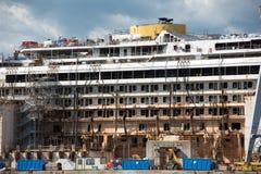 Costa Concordia haveri i Genoa Harbor Royaltyfri Fotografi