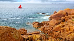 Costa cor-de-rosa do granito. Brittany, France fotografia de stock royalty free