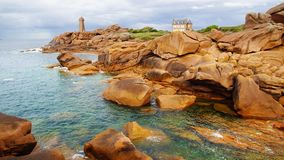 Costa cor-de-rosa do granito. Brittany, France fotos de stock royalty free