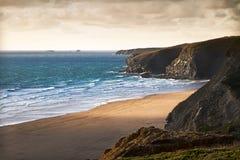 Costa Cornish perto de Newquay, Cornualha, Inglaterra Fotografia de Stock
