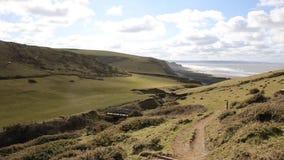 Costa Cornualha norte Inglaterra Reino Unido de Sandymouth no trajeto da costa oeste sul para Bude video estoque
