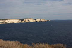 Costa costa corsa cerca de Bonifacio I Foto de archivo libre de regalías