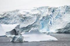 Costa costa de la Antártida Imágenes de archivo libres de regalías