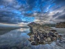 Costa costa de Punakaiki en la puesta del sol, NZ Foto de archivo libre de regalías