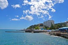 Costa costa del Mar Negro en Alushta, Ucrania Fotografía de archivo libre de regalías