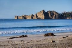 Costa costa del océano de la mañana Imágenes de archivo libres de regalías