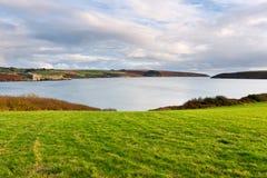 Costa costa en Kinsale. Irlanda Fotos de archivo libres de regalías