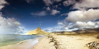 Costa costa en Socotra fotos de archivo