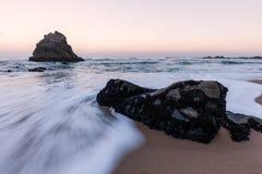 Costa costa rocosa de Océano Atlántico Imagen de archivo